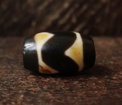Rare Ancient Tasso dZi Bead w/ blood spots - 17 mm