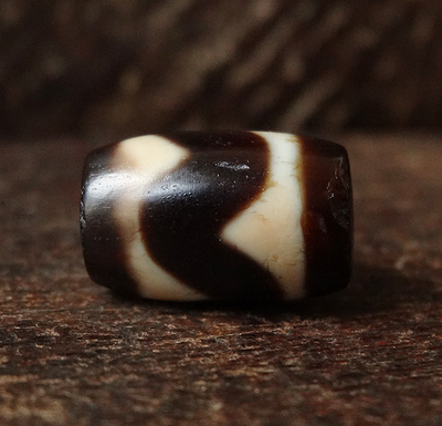 Rare Ancient Tasso dZi Bead - 15.5 mm
