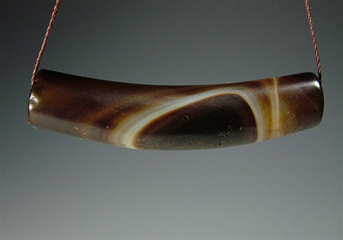 Fine quality New Bow Shaped Agate Bead