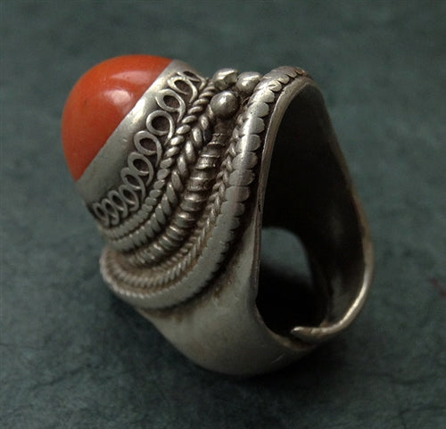 Antique Tibetan Silver Ring with large Coral - 19th C