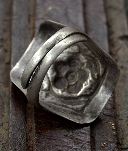 Antique Tibetan Silver Ring with Flower Motif - 19th C