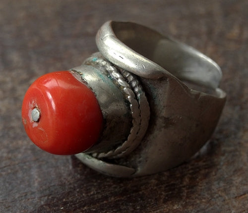 Antique Tibetan Silver Saddle Ring with large Coral - 19th C