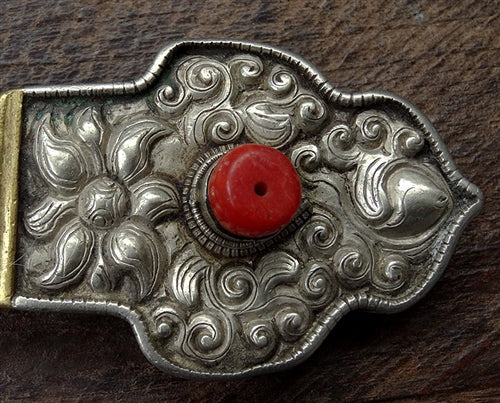 Antique Tibetan Silver Accessory with Jewel Motif and Red Coral - 19th C