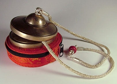 Fine Tingshak Set with chain and protective case.