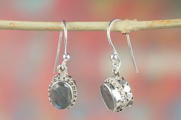 Labradorite Earrings, 925 Sterling Silver, Dangle Earrings, Gypsy Earrings, Artisan Jewelry, Delicate Earrings, Unique style Earrings, Engagement Gift, Fashionable Jewelry, Gift