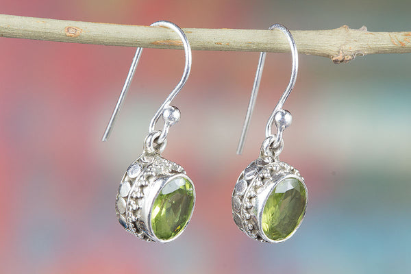 Amazing Faceted Peridot Gemstone Silver Earring