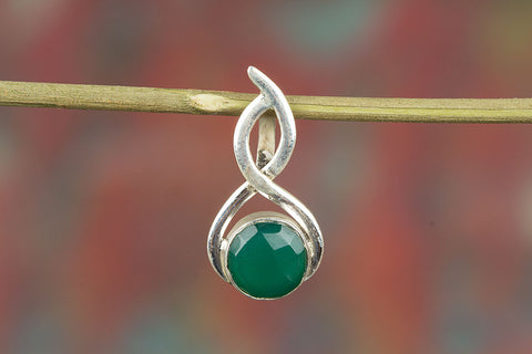 Wonderful Faceted Green Onyx Gemstone Pendant