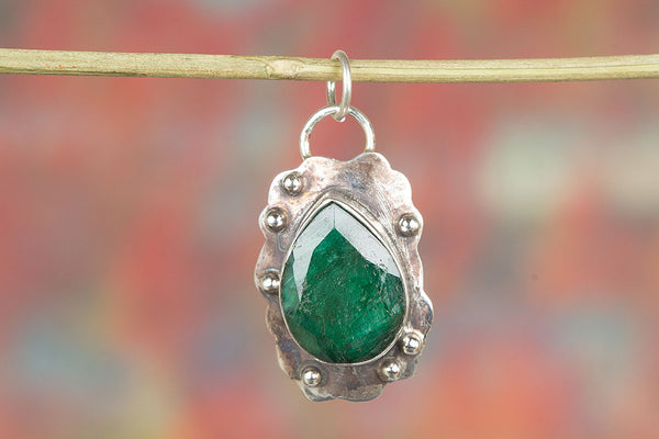 Stylish Handmade Emerald Gemstone Sterling Silver Pendant