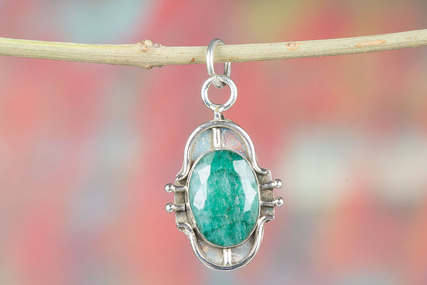 Stunning Natural Emerald Gemstone Sterling Silver Pendant