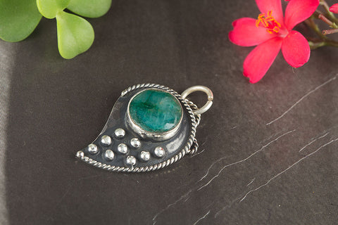 Amazing Sterling Silver Emerald Gemstone Pendant