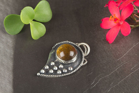Beautiful Tiger Eye Gemstone Sterling Silver Pendant
