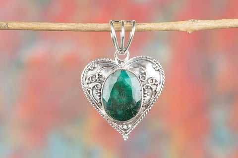 Wow Natural Emerald Gemstone  Silver Pendant