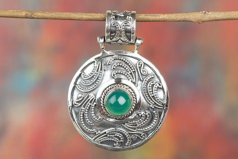Awesome Green Onyx Gemstone Sterling Silver Pendant