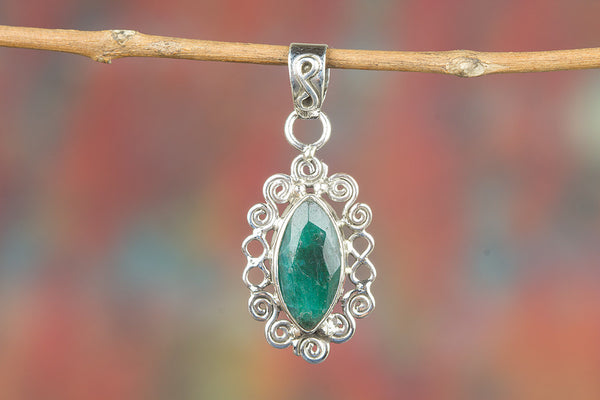 Longe Shape Emerald Gemstone Pendant