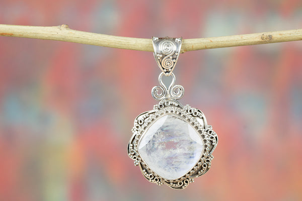 Faceted Rainbow Moonstone Gemeston 925 Silver Pendant