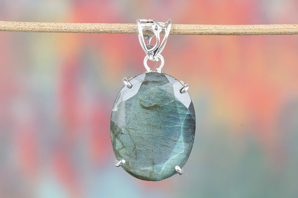 Faceted Labradorite  Pendant, 925 Sterling Silver, Classic pendant, unique design Pendant, Party Wear pendant, June birthstone Pendant, Prong Pendant, Gift