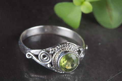 Beautiful Peridot Gemstone Sterling Silver Ring,