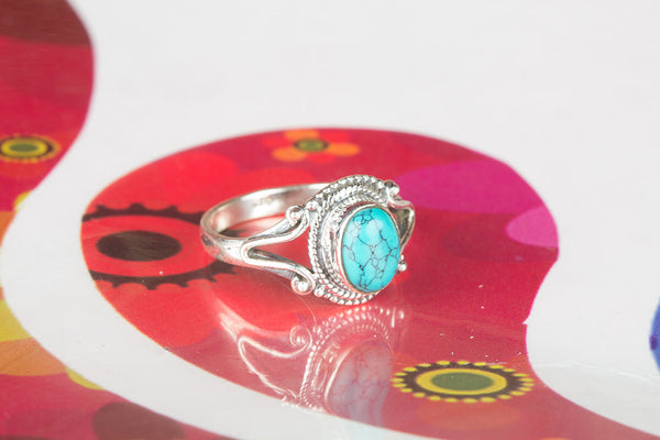 Beautiful Silver Turquoise Gemstone Ring