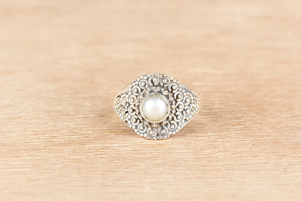 Beautiful Pearl Gemstone Sterling Silver Ring,