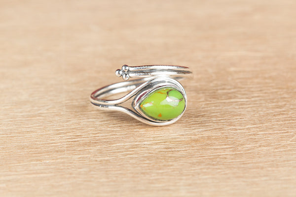Wonderful Green Turquoise Gemstone Silver Ring