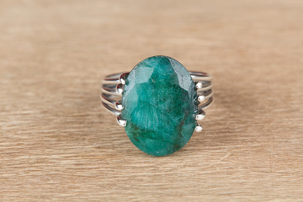 Unique 925 Silver Emerald Gemstone Ring