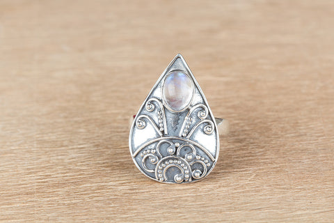 Amazing Rainbow Moonstone Ring, 925 Sterling Silver, Bridal Shower, Unique Piece, Birthstone Charm, Gift Her