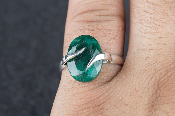 Fantastic Emerald Gemstone Sterling Silver Ring,