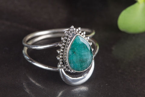 Amazing Emerald Gemstone Silver Ring,