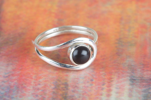 Black Onyx Ring 925 Silver Eye Catch Ring Modernn Designer Ring Attractive Ring Artisan Ring Special Ocacsion Ring Black Ring Healing Ring Party Wear Ring Casual Ring Classic Designer Ring Friendship Ring Gift Her