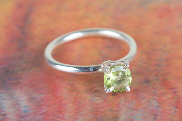 Wow Peridot Gemstone Sterling Silver Ring