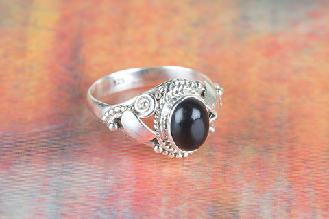 Black Onyx Ring 925 Silver Dainty Ring Designer Ring Modern Ring Black Ring Vintage Ring Charm Ring Everyday Ring Yoga Ring Gypsy Ring Elegant Ring Classic Ring Vintage Ring Eye Catch Ring Attractive Ring Charm Ring Bohemian Ring Gift her