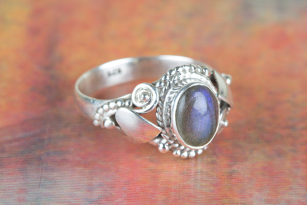 Labradorite Ring, 925 Sterling Silver, Dainty Ring, Statement Ring, Unique Stylish Ring, Trendy Ring, Artisa Ring, Granulation Ring, Victorian Style Ring, Handcraft Ring, Unisex Ring, Wedding Ring, Everyday Ring, Rare Ring, Gift.