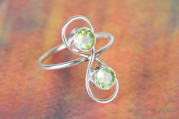 Wonderful Peridot Gemstone Sterling Silver Ring