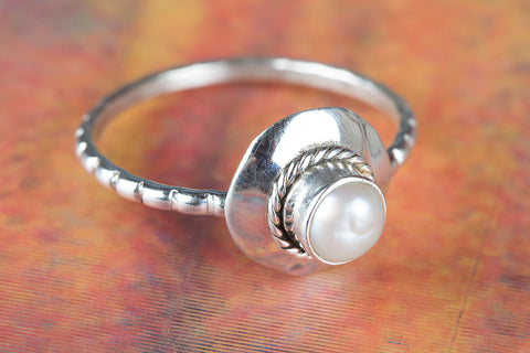 Beautiful Sterling Silver Pearl Gemstone Ring,