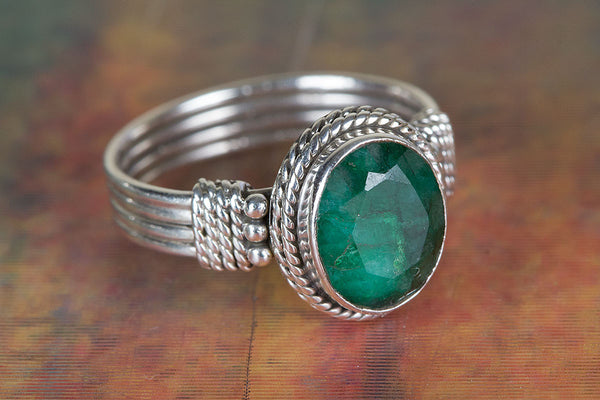 Lovely Emerald Gemstone Sterling Silver Ring,