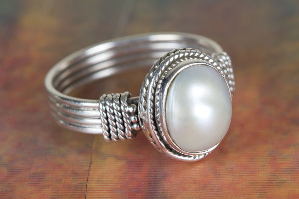 Beautiful Sterling Silver Pearl Gemstone Ring