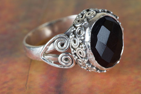Black Onyx Ring 925 Silver Petite Ring Casual Ring Eye Catch Ring Classic Design Ring special Occasion Ring Gypsy Ring Vintage Ring Oval Shape Ring Motivational Ring Engagement Ring Gift Her