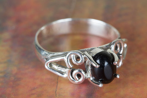 Black Onyx Ring 925 Silver Prong Ring Pretty Love Ring Alternative Ring Eye Catch Ring Bohemian Ring Unique Ring Latest Design Ring Gypsy Ring Attract Ring Eye Catch Ring Friendship Ring Gift Her