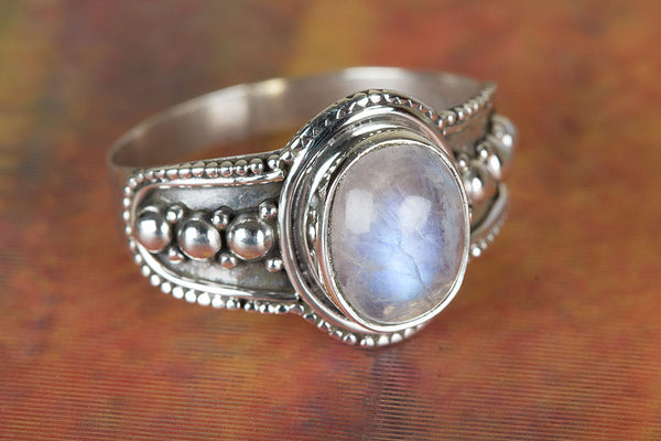 Rainbow Moonstone Ring, 92.5% Sterling Silver Ring, Silver Moonstone Ring, Gemstone Ring, Sterling Silver Ring, Rainbow Moonstone Charm