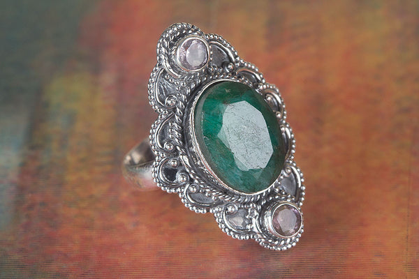 Beautiful Emerald Gemstone Sterling Silver Ring,