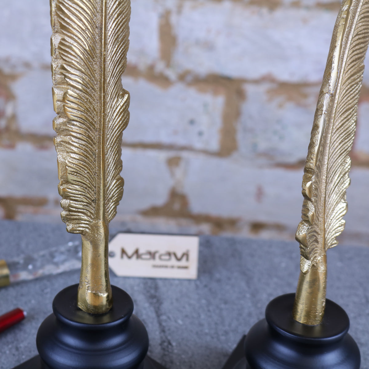 Aviyur Set of 2 Gold Feather Ornaments