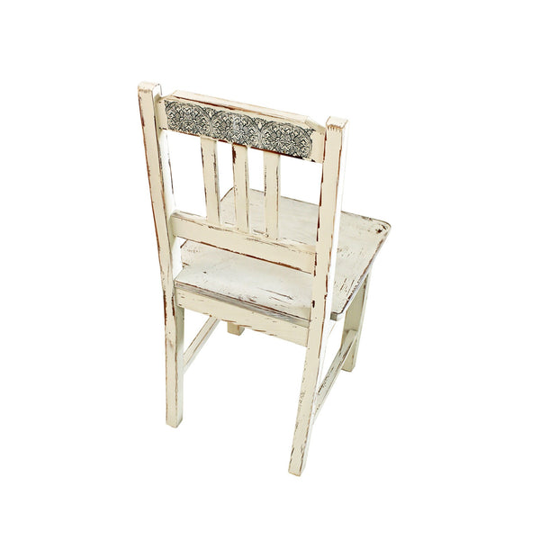 Olden chair with ornament - oak tree