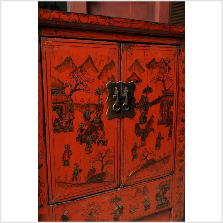Chinese 19th Century Red Lacquered Sideboard With Gold Chinoiserie Patterns