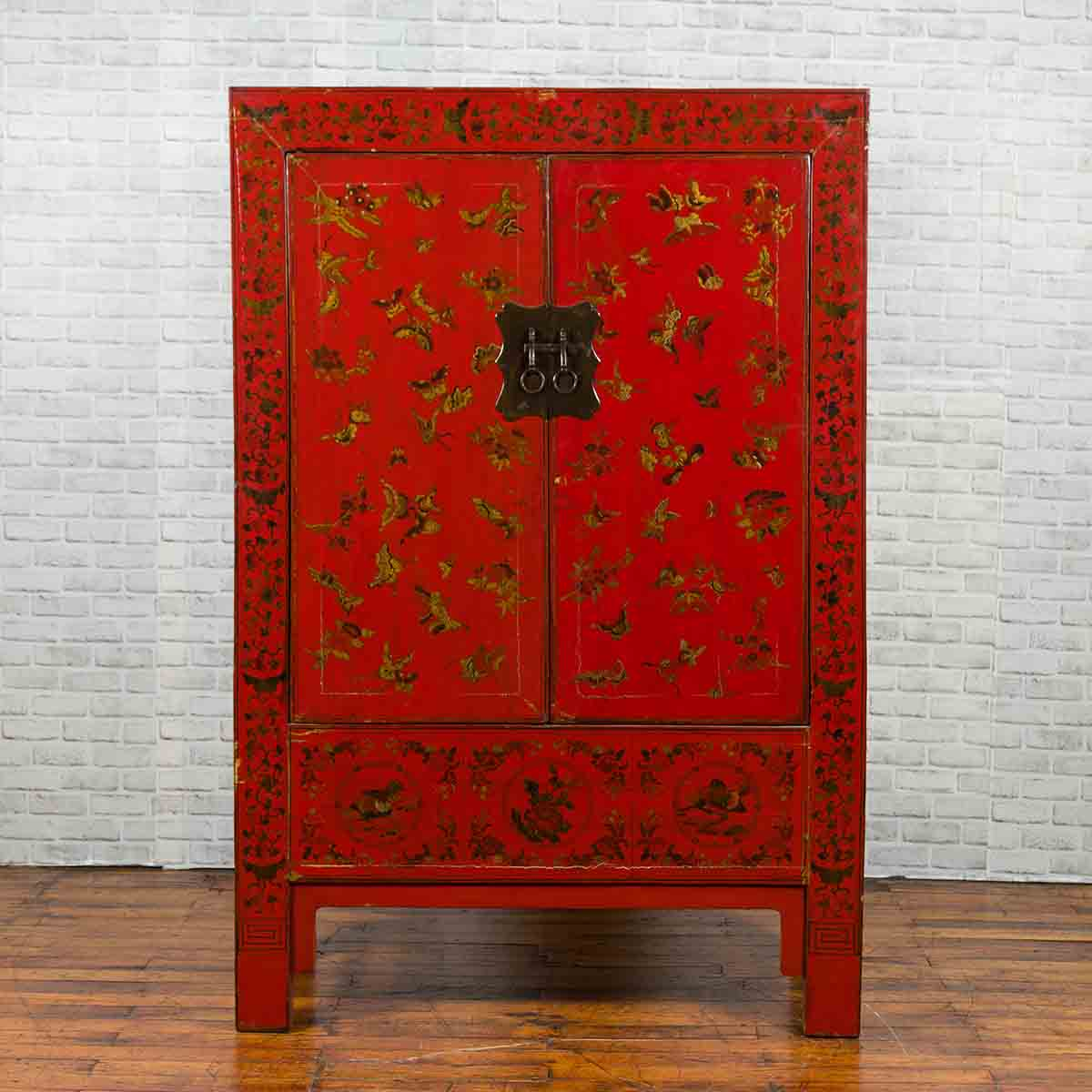 Chinese Red Lacquered 19th Century Qing Dynasty Cabinet with Gilt Chinoiseries