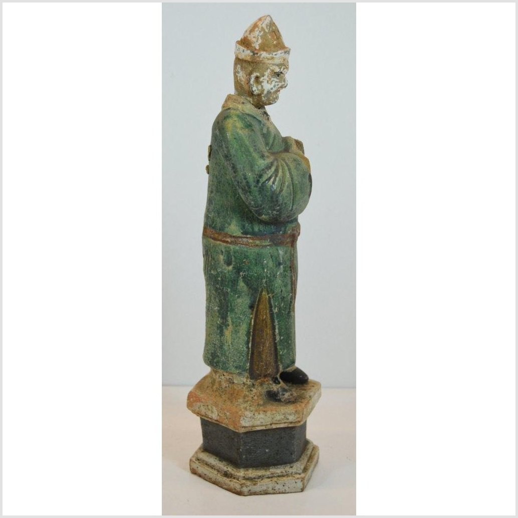 ANTIQUE TERRACOTTA MALE FIGURE