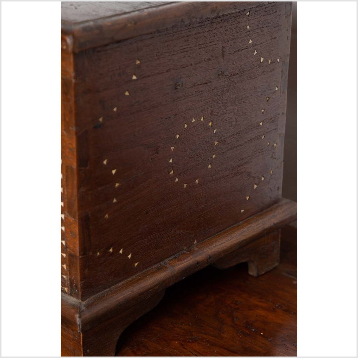 Early 20th Century Wooden Blanket Chest from Mindanao with Mother of Pearl Inlay