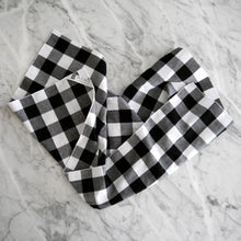 Hand Towel / Black Gingham
