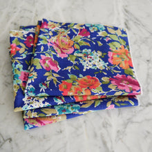 Dinner Napkin / Dark Blue Floral