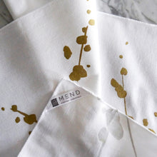 Dinner Napkin / Metallic Gold Botanical