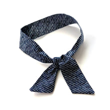 Skinny Scarf / Navy and White Dash